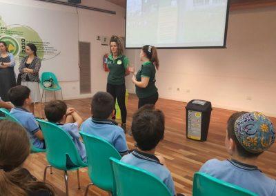 12-Visita Centro de Reciclaje (13)